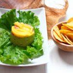 Guacamole con langostinos y mango
