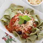 Pappardelle de albahaca con salsa de tomates cherry