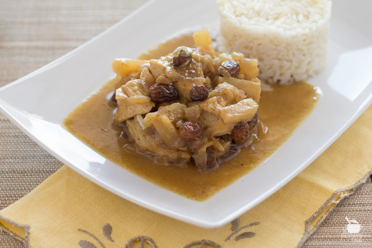 pollo al curry con piña