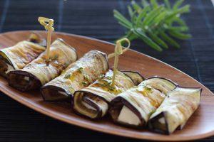rollitos de berenjena con queso de cabra