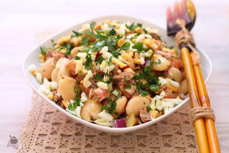 Jud as a la vinagreta con at n una ensalada de legumbres for Como cocinar alubias blancas