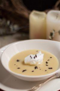 sopa de nieve - crema de papa negra y trufa