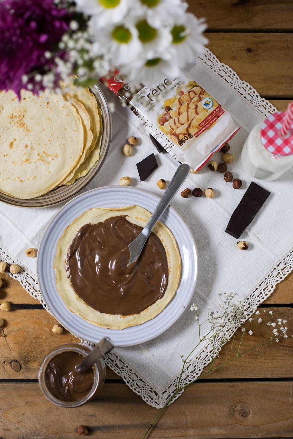 crepes con crema de gofio, avellanas y cacao