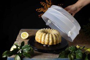 bizcocho de limón en tupperware